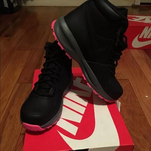 Nike Manoa (GS) Black-Hyper Pink 4.5y 859412 006 10eb7f2a29